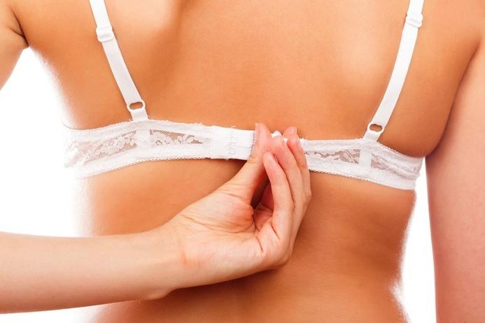 垂れた胸を戻す為のブラジャーの正しい選び方と着け方