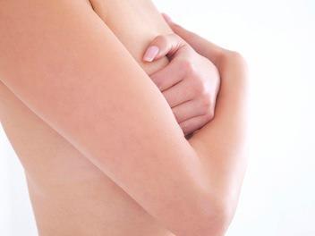 クーパー靭帯は手術で強化できる?鍛える為のエクササイズ方法もご紹介!