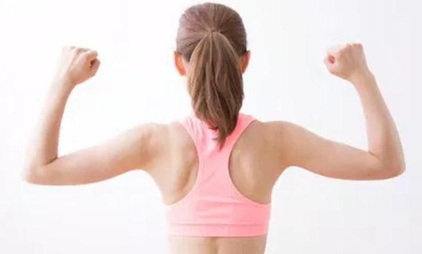 肩甲骨はがしがバストアップに効果あり?短期間で結果が出るストレッチ方法をご紹介!